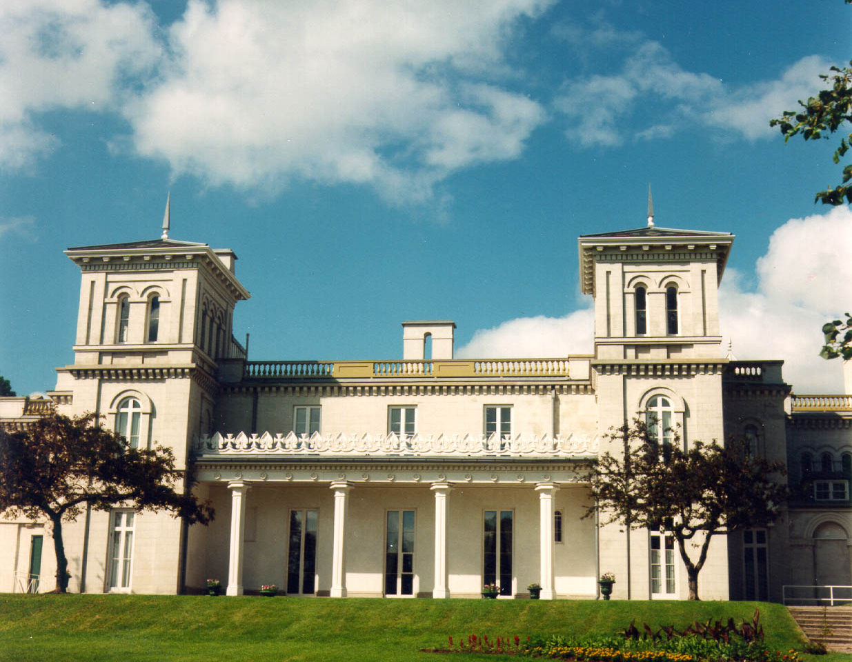 Virtual Tour – Dundurn National Historic Site