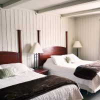Mohawk Inn & Conference Centre – Rustic Romance Package – One Night