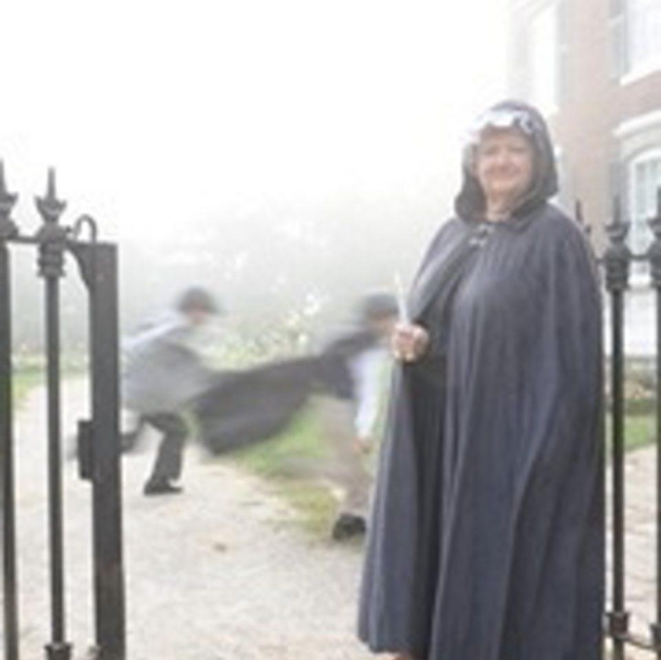 Oakville Ghost Walks