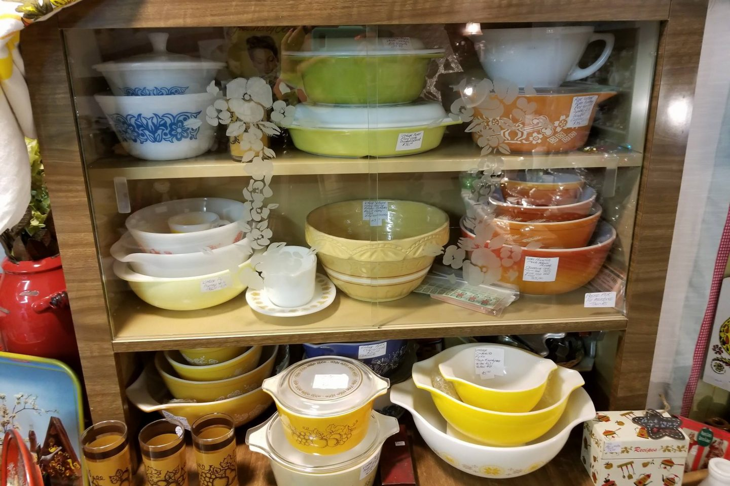 Mizener's Antiques and More Market