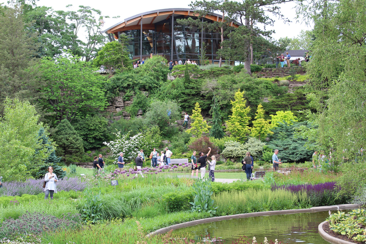 Save 25% on Evening Visits to RBG this Summer